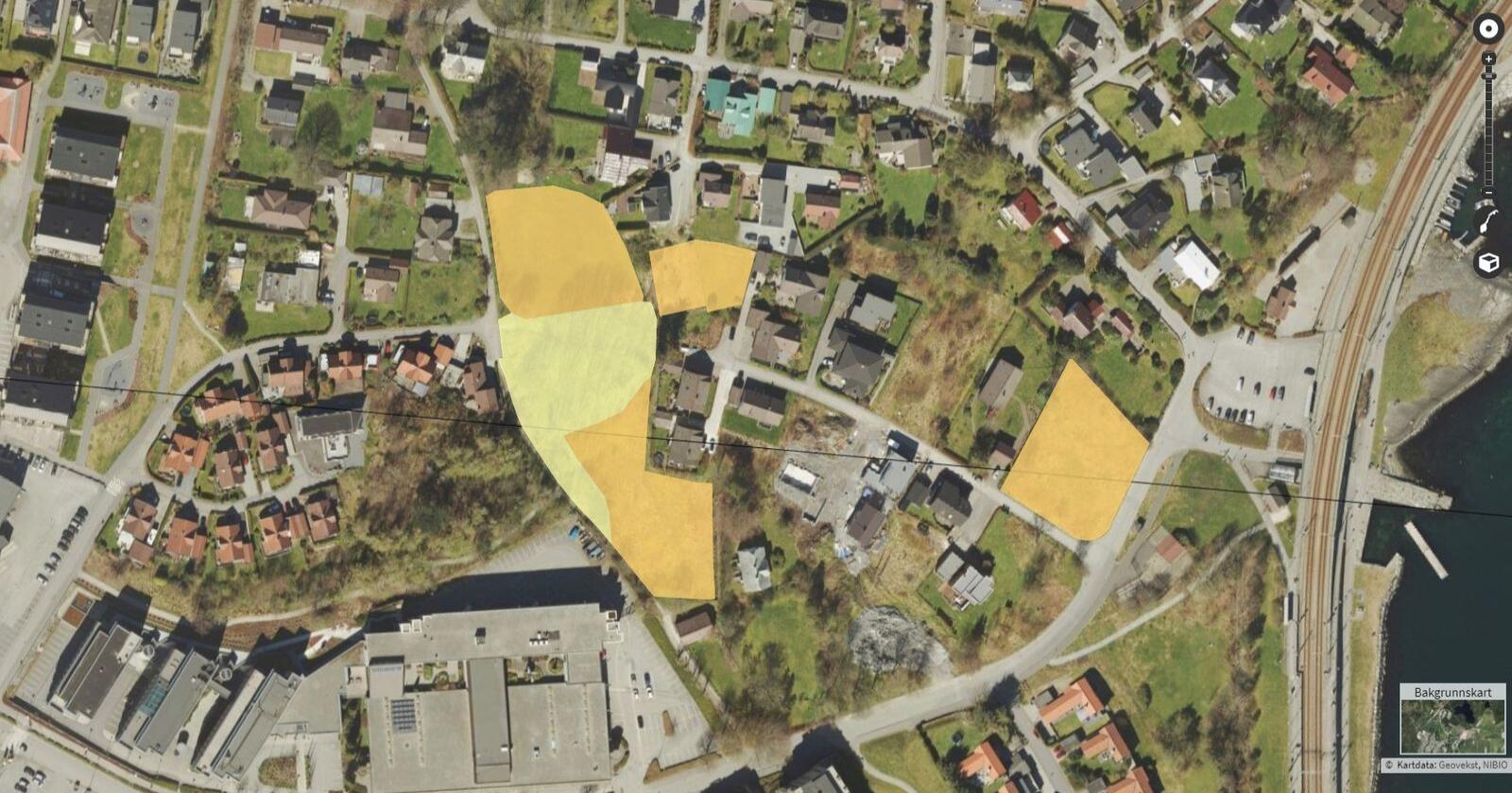 Jordbruksareal: Midt i Stavanger ved togstasjonen på Mariero er det ført opp 7,8 dekar fulldyrka jord (farga oransje) og 2,9 dekar innmarksbeite (farga gult). Jorda er regulert til park og utbyggingsformål. Tomter blei skilt ut og hus bygd for rundt 50 år sidan. Foto: AR5-kartet til Nibio