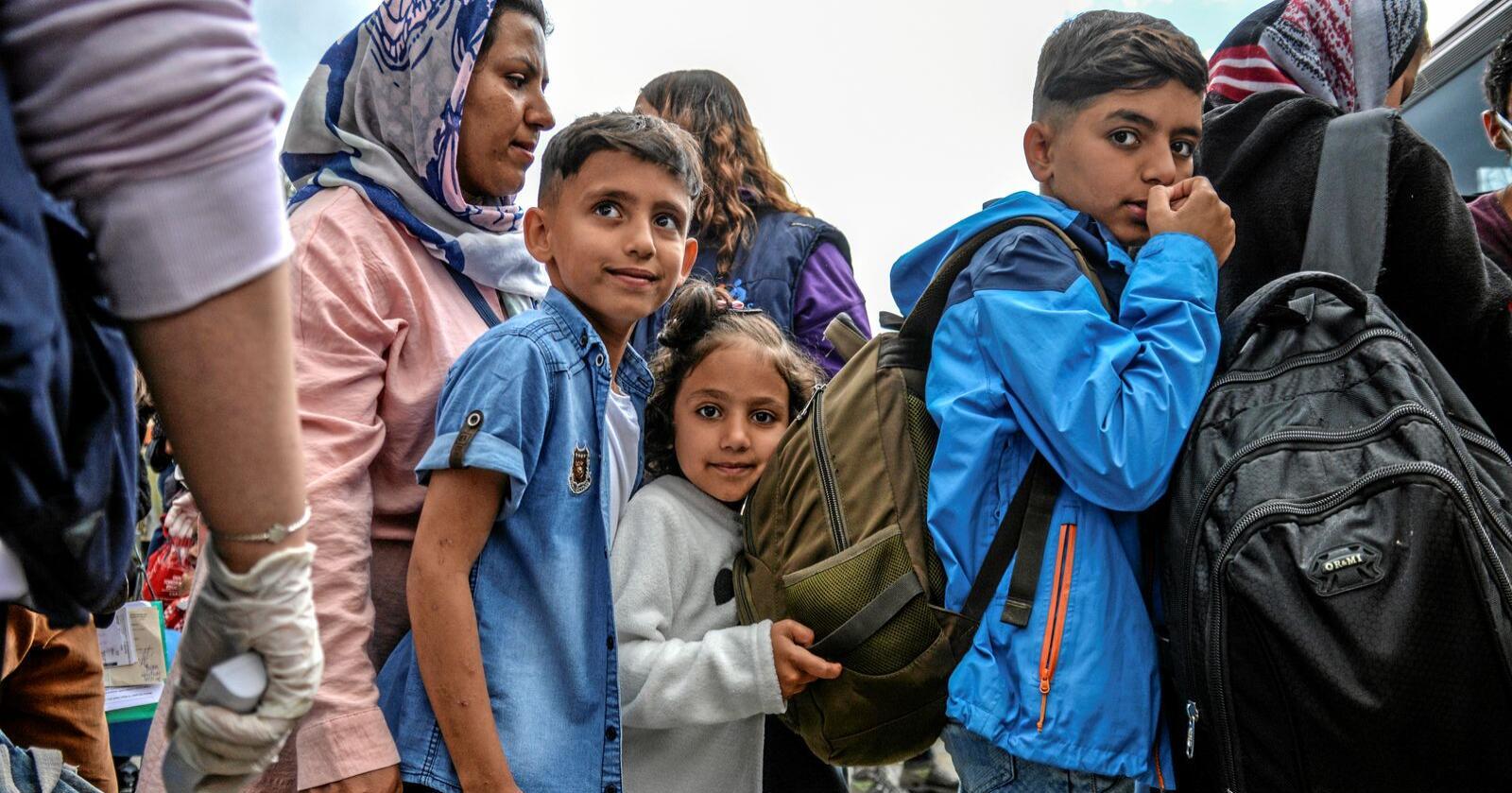 Flyktninger: Vi skal ta imot noen barn fra Lesvos, men bare hvis 8-10 andre land gjør det, skriver innsenderen. Foto: Panagiotis Balaskas / AP / NTB scanpix