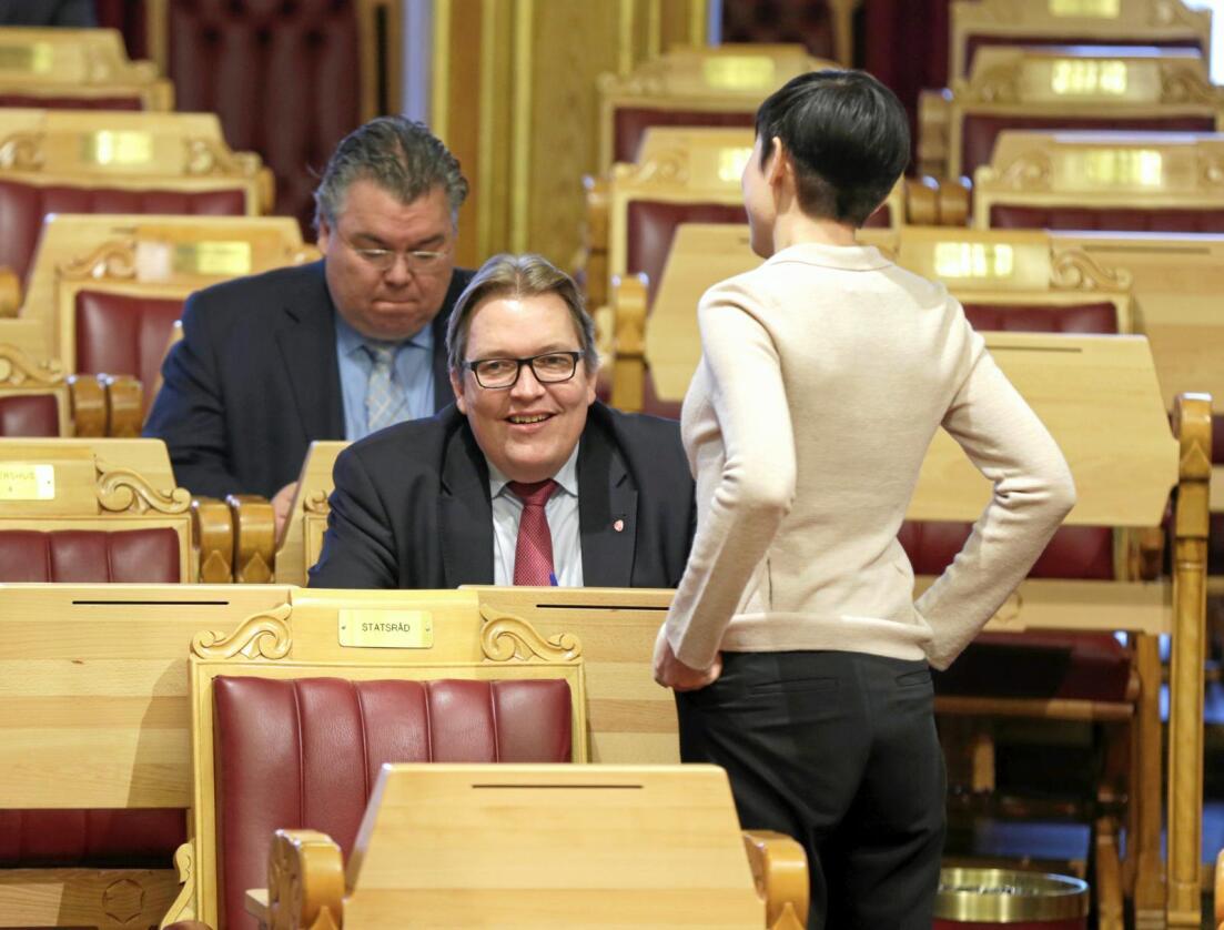 Sverre Myrli (bildet, midten) er leder for Akershus Ap, og står på frivillighetslinja i kommunereformen. Foto: Vidar Ruud / NTB Scanpix