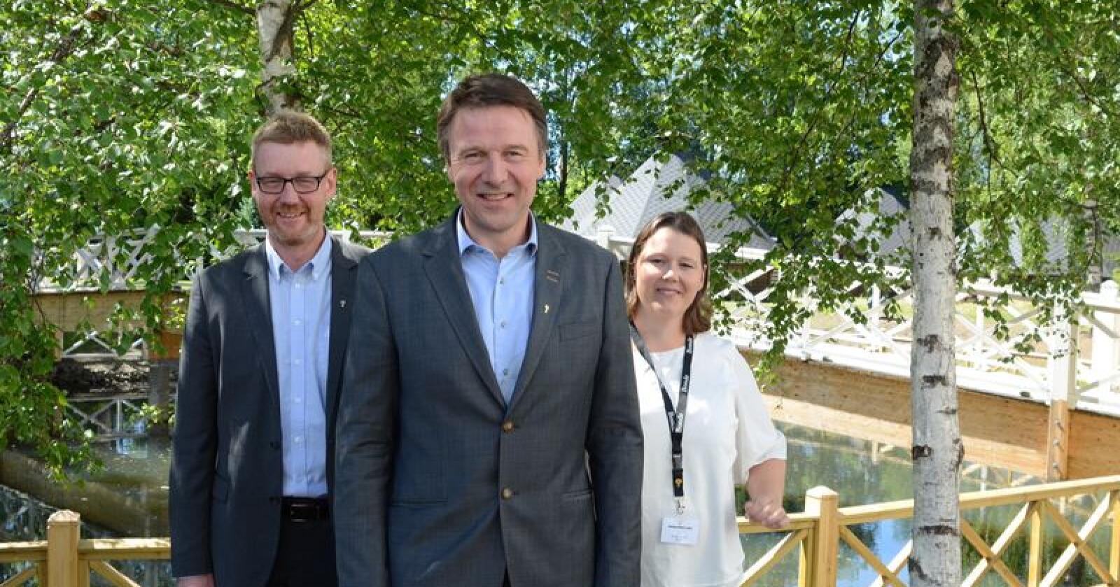 """Den """"nye"""" ledertrioen er den samme som den gamle: Fra venstre Bjørn Gimming, Lars Petter Bartnes og Frøydis Haugen. Foto: Iver Gamme"""
