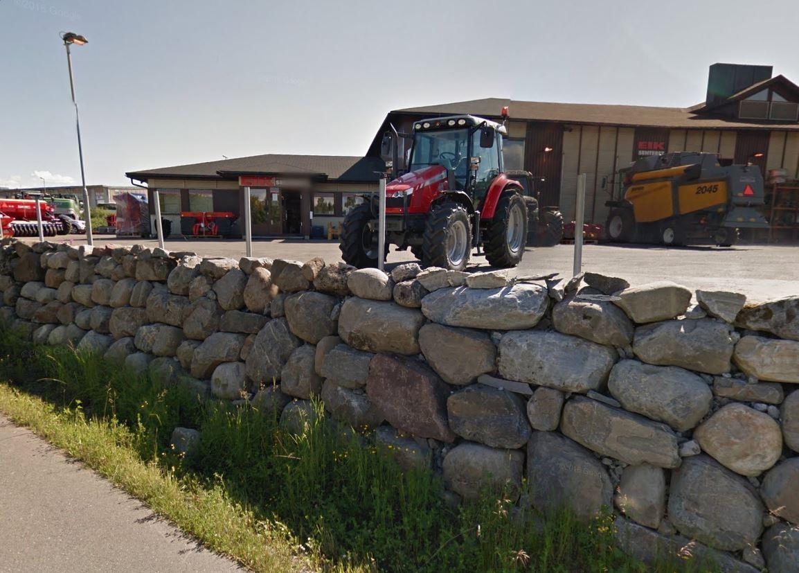 Furnes Traktorsenter, eid av Bjørn Rygg Industrier, kjøper Flisa Traktor. Foto: Google Maps