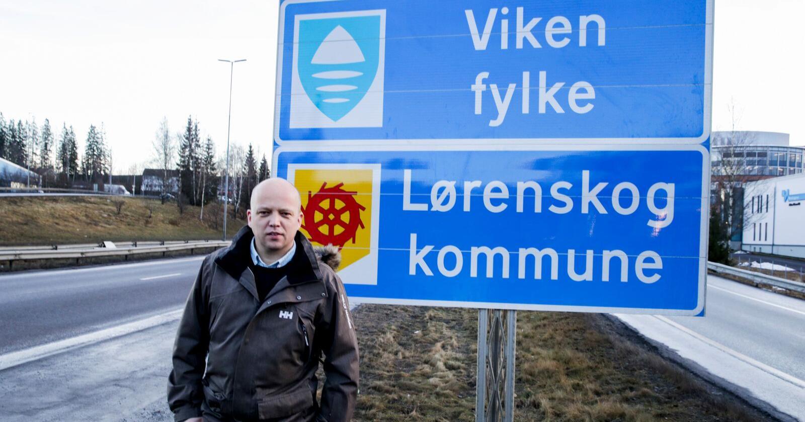 En ny meningsmåling viser at et stort flertall mener at storfylker som Viken og Troms og Finnmark bør få oppløse seg selv. – Her er en måling vi blir glad av, om en politikk til å bli trist av, sier Sp-leder Trygve Slagsvold Vedum. Foto: Vidar Ruud / NTB scanpix