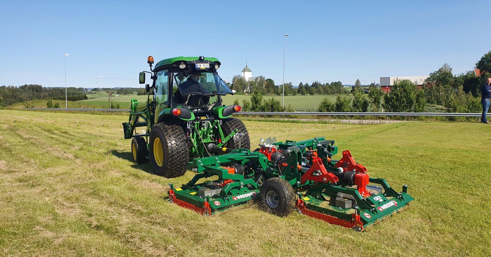 Wessex leverer gresskippere med arbeidsbredder opp til åtte meter for montering på traktor eller annen, egnet redskapsbærer. (Foto: Felleskjøpet)