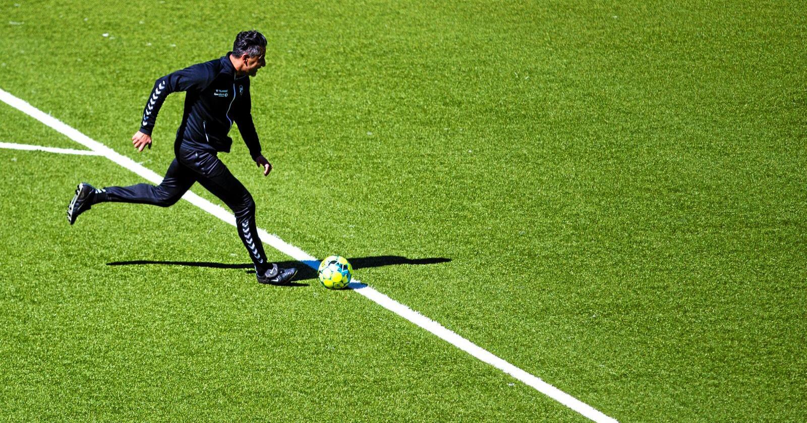 Fotball: Kulturminister Abid Raja vil ikke åpne for at breddefotballen kan spille kamper. Foto: Trond Reidar Teigen / NTB scanpix