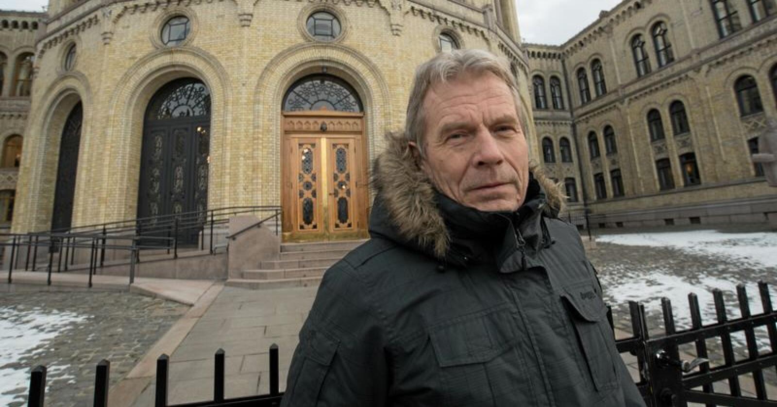 Arne Nævra i SV varsler at han og resten av partiet vil levere et forslag for forbedringer i Mattilsynet. Foto: Vidar Sandnes