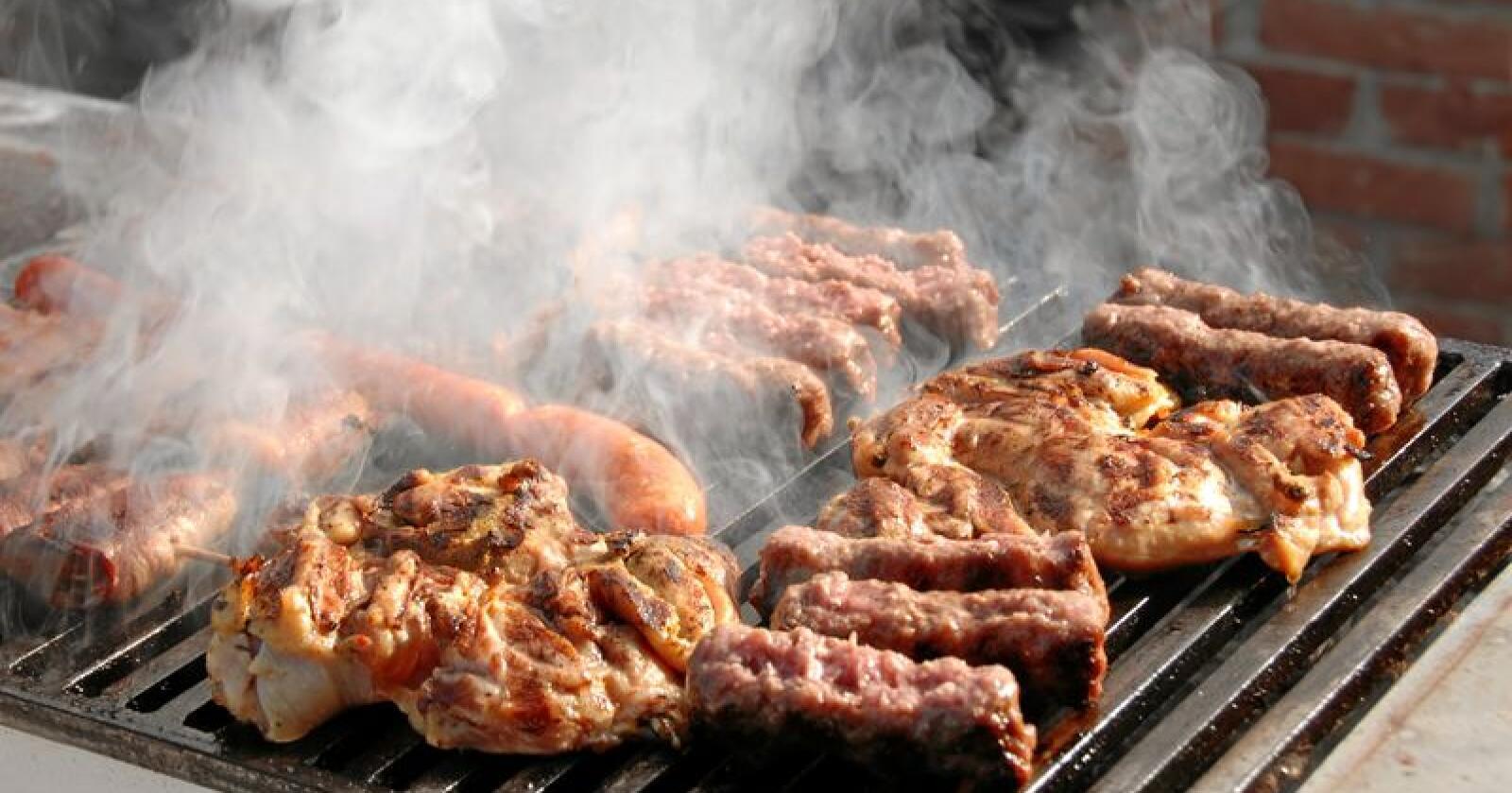 Dersom kjøttforbruket kuttes drastisk, kan også klimagassutslippene fra landbruk gå ned ganske kraftig, viser ny rapport. Foto: Colourbox / Julija Sapic