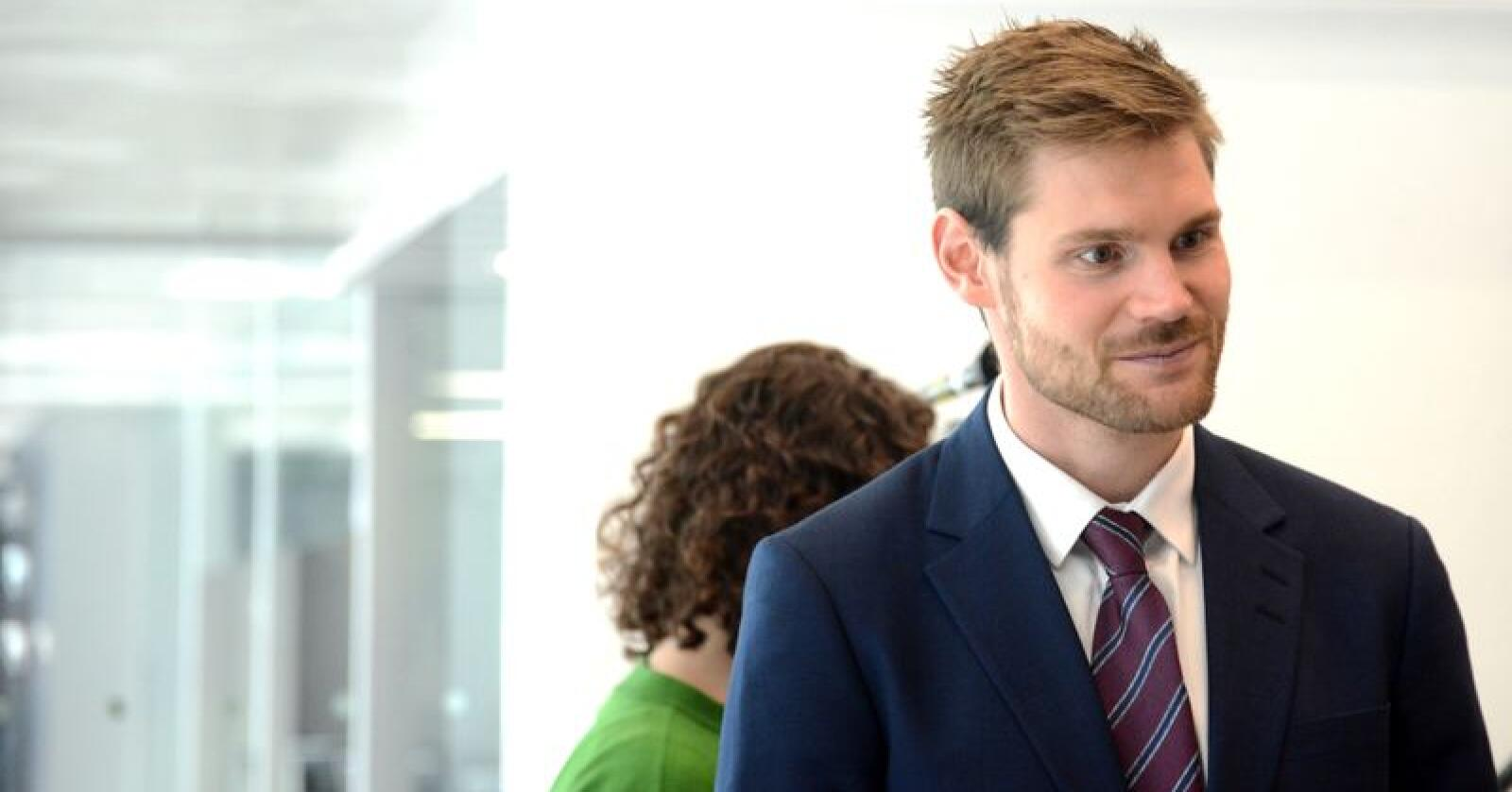 Nils Kristen Sandtrøen, landbrukspolitisk talsperson fra Ap, reagerer på Dales nei. Foto: Siri Juell Rasmussen.