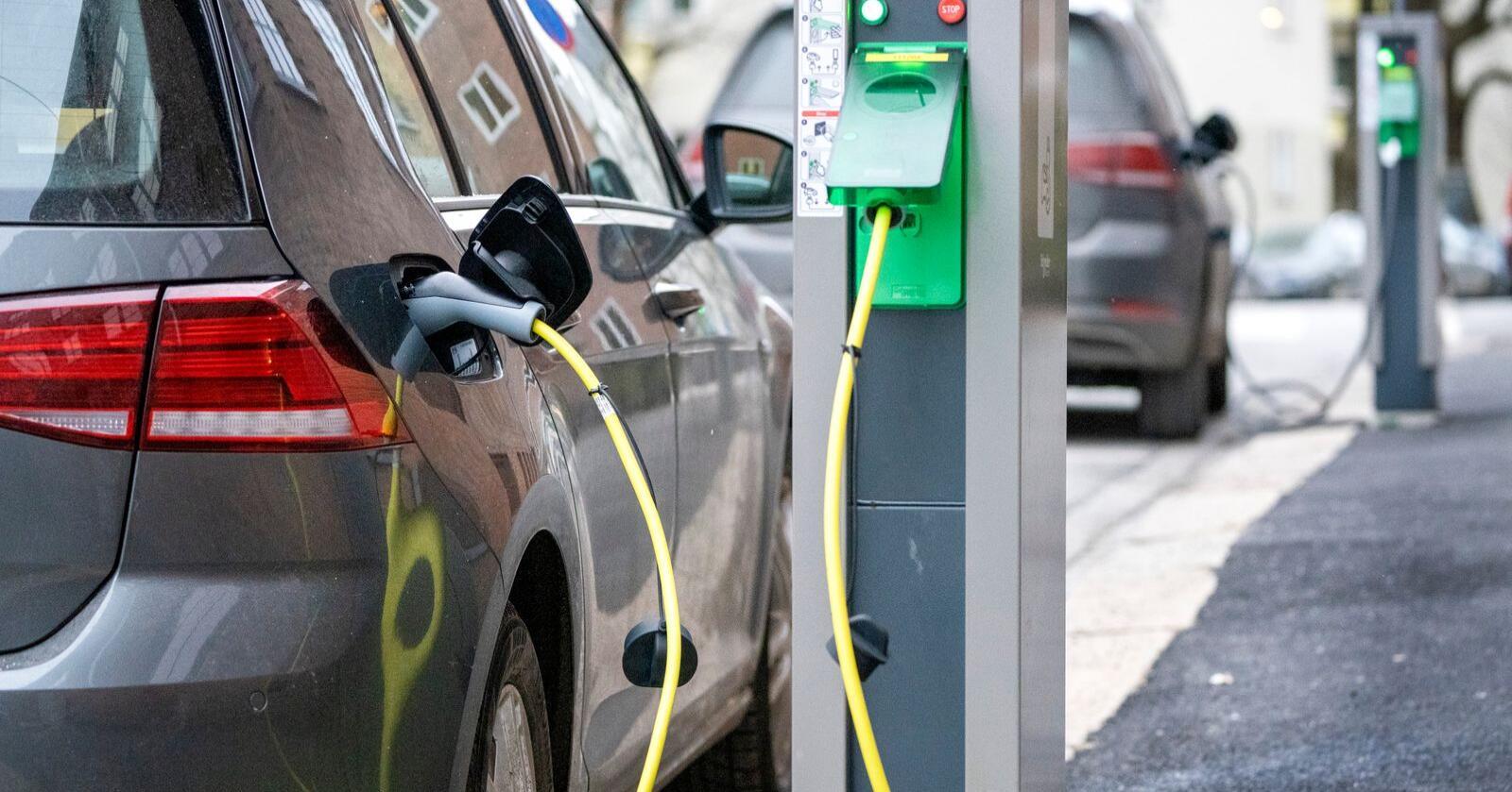 Andelen elbiler øker, men det er først og fremst i byer og bynære områder at elbilsalget har tatt av, viser kartlegging fra Teknisk Ukeblad. Foto: Gorm Kallestad / NTB