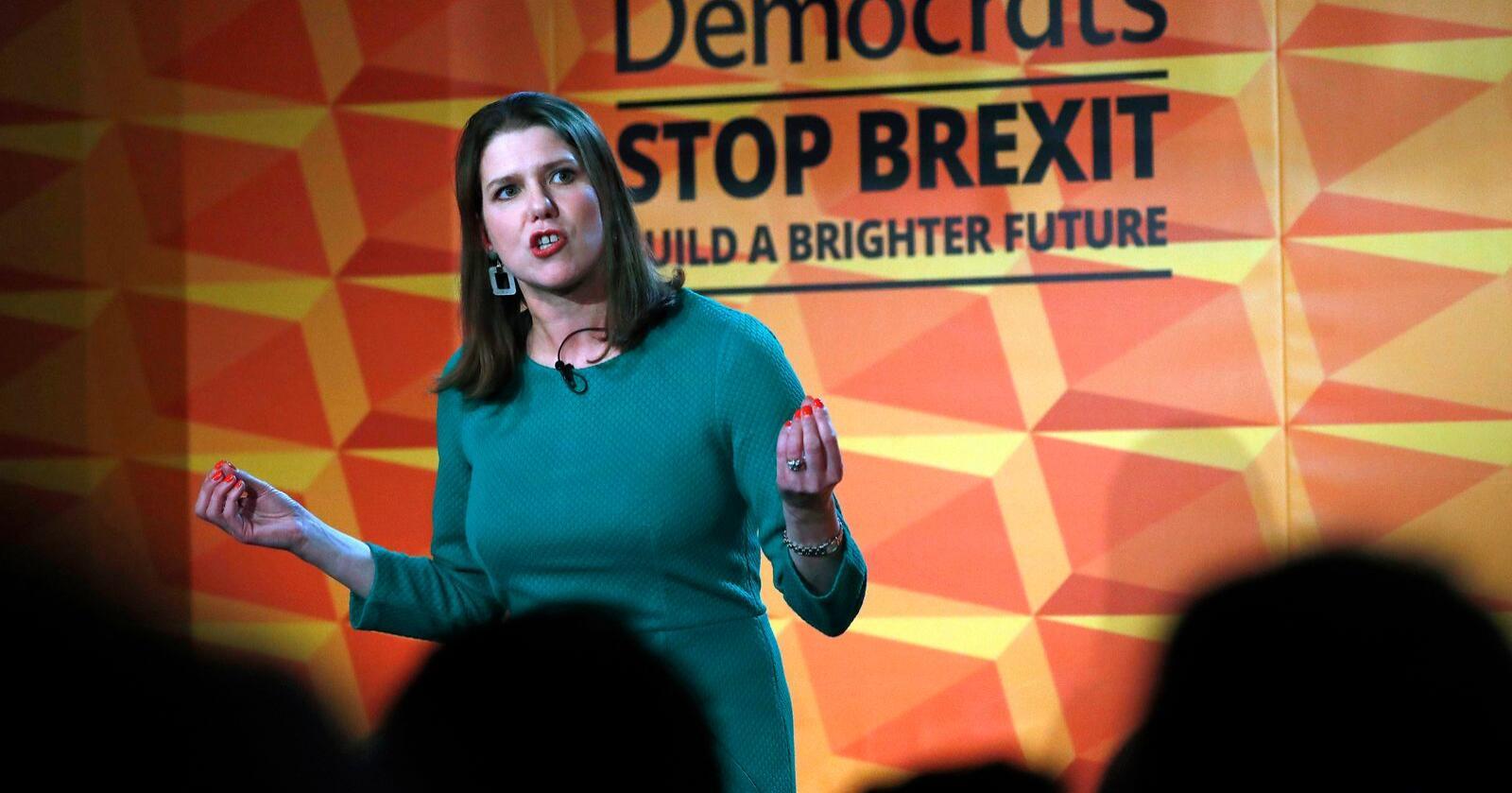 Liberaldemokratene og partileder Jo Cox arbeider for å stoppe brexit. Flere av deres kandidater har måttet tåle trusler og sjikane. Foto: Alastair Grant / AP / NTB scanpix