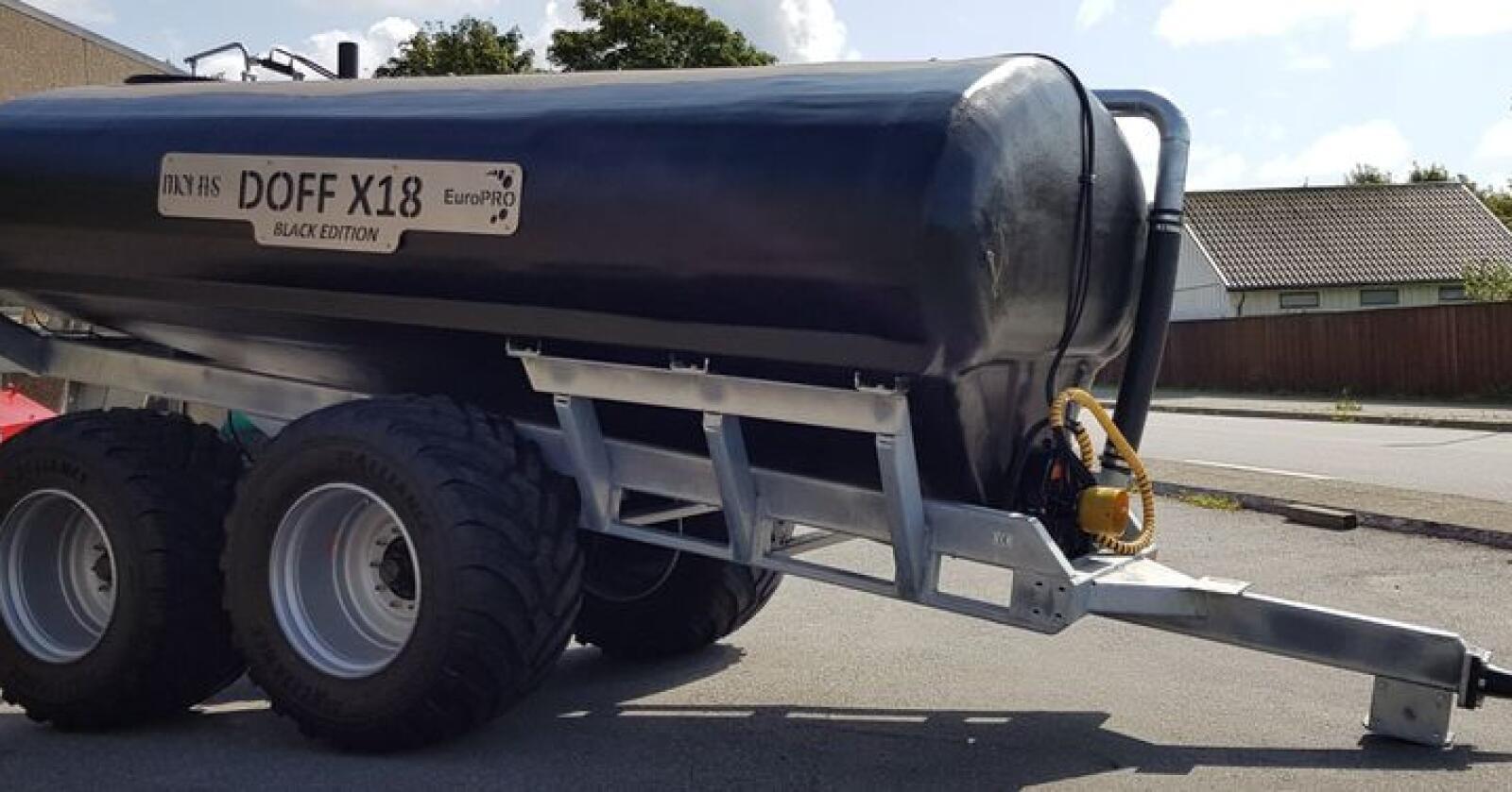 Jubileumsmodell: Doff X18 kan leveres i «Black Edition» med sort lakk med emblemer i rustfritt stål.