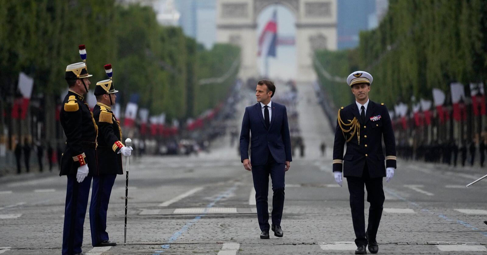 Kan ikke avskrives: President Emmanuel Macron under feiringen av Frankrikes nasjonaldag 14. juli. Foto: Michel Euler / AP / NTB