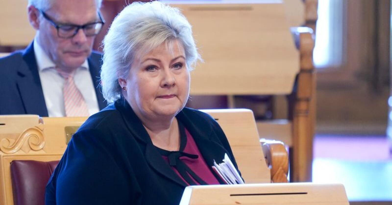 Høyre-leder og statsminister Erna Solberg må registrere at partiet kommer dårlig ut i en ny meningsmåling. Foto: Terje Pedersen / NTB scanpix