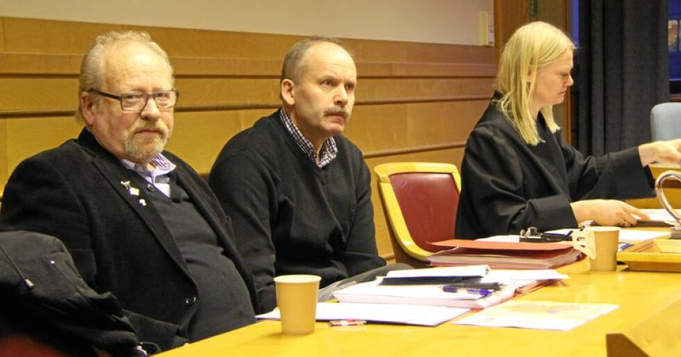 I Krokann-dommen fra 2103 vant Ola Krokann fra Oppdal mot departementet i en sak, som oppsto etter at han hadde fått erstattet 16 av 55 tapte beitedyr i 2008, men hvor retten fant det sannsynlig at rovdyr sto bak større deler av tapet. Til stede i rettssalen den gang var Ove Ommundsen, leder i Norsk Sau og Geit, Ola Krokann, sauebonde og saksøker, samt Tine Larsen, advokat. Foto: Hans Bårdsgård