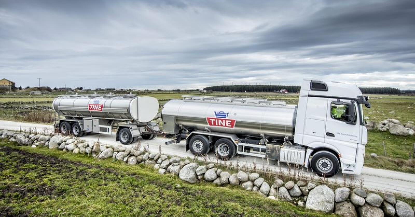 Tine har eit mål om fleire som lastebilar som køyrer på biogass. Utfordringa er at tankbilane er tunge og køyrer langt. Foto: Bo Mathisen / Tine