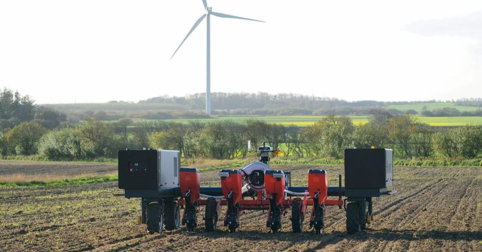 Agrointelli regner med å ha ti Robotti-roboter i arbeid hos danske kunder denne sesongen. Foto: Agrointelli