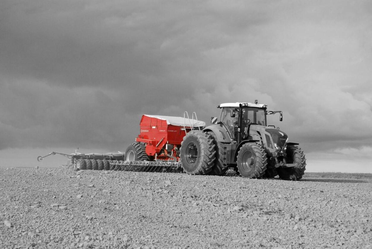 Kongskilde leverte både røde redskaper og røde tall i sin tid med DLG som eier. Etter nesten ti år trekker det danske felleskjøpet seg ut, etter å ha tapt 800 millioner danske kroner. Nå får den danske maskinprodusenten en ny vår hos CNH Industrial. (Foto: Kongskilde)