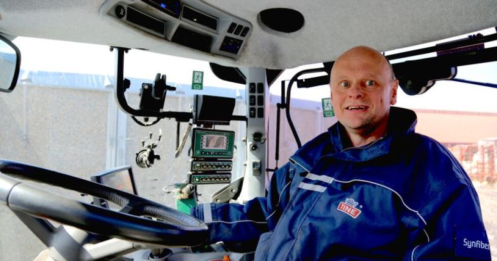 Randaberg-bonde Trond Vistnes var en av pionerene i bruken av Kartverkets RTK-signaler og omtaler det mobilnettbaserte systemet som et langt skritt fram for presisjonslandbruket. Foto: Bethi Dirdal Jåtun