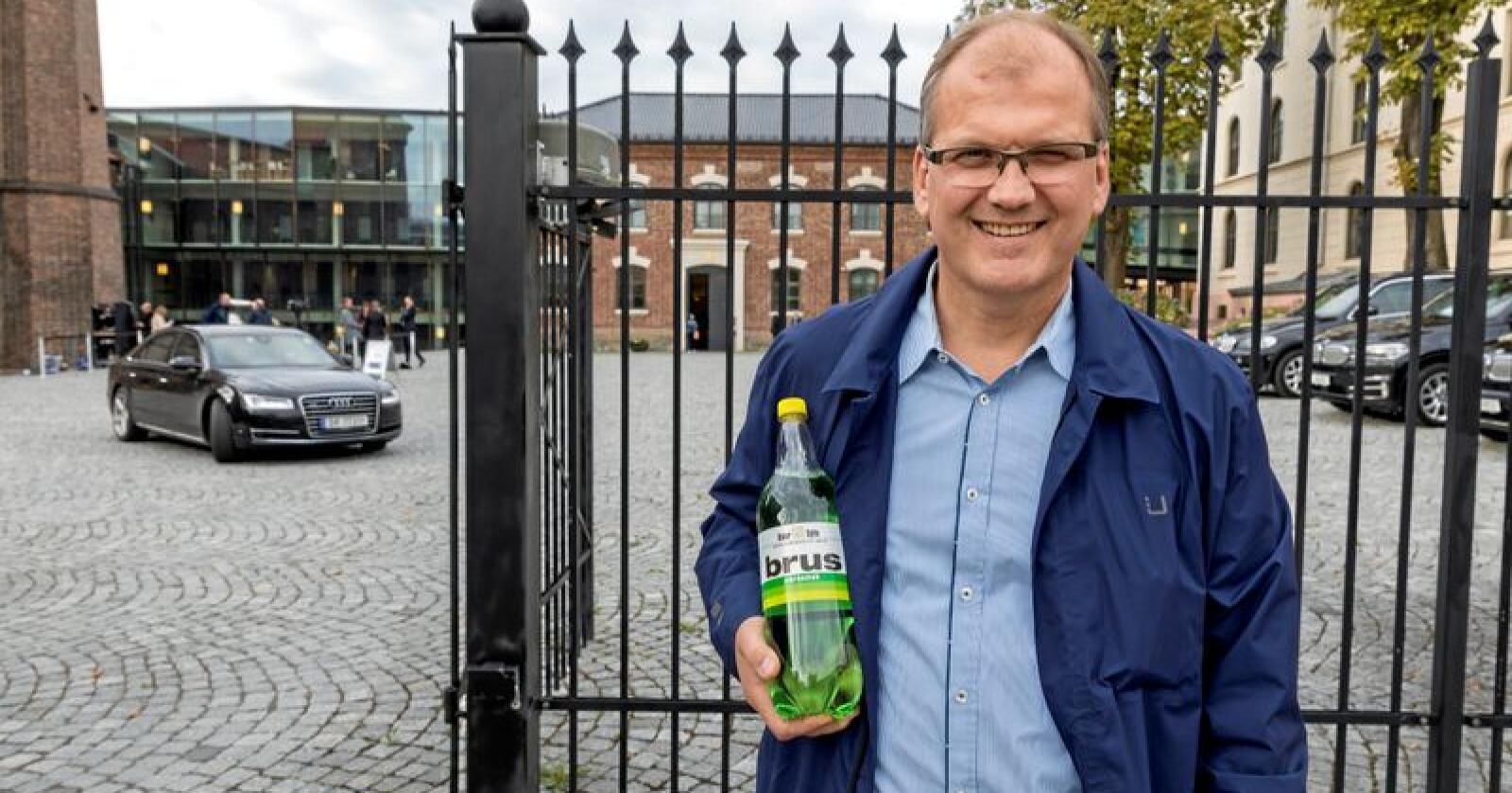 Brus: Oskar Sylte i Oskar Sylte Mineralvannfabrikk AS spør om regjeringen ikke lenger ønsker industri i Norge og distriktene. Foto: Gorm Kallestad / NTB scanpix