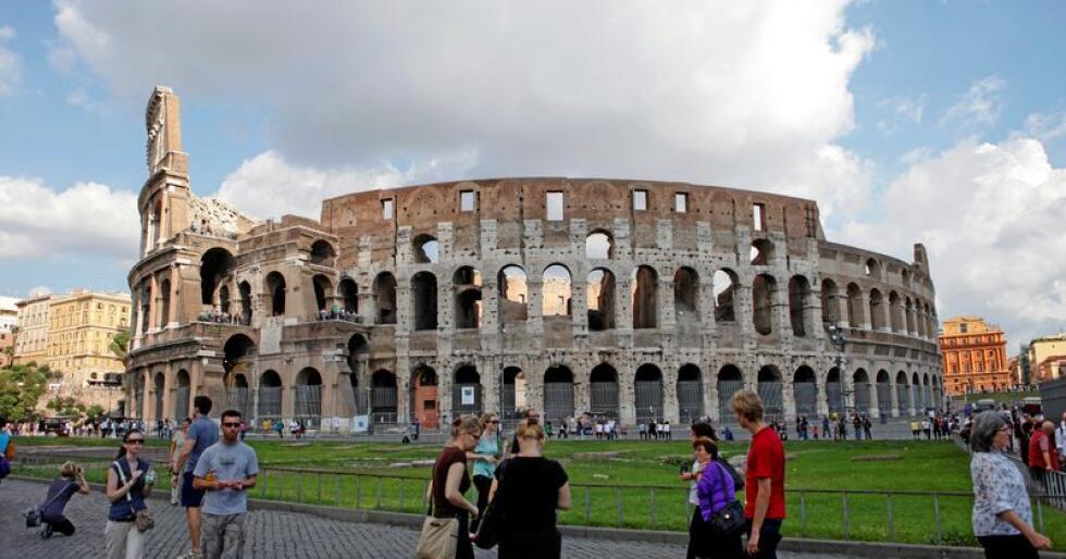 "Underhaldning: På gladiatorarenaen Colosseum i Roma var det underhaldning i å sjå at folk ""vart kasta til løvane"". Er Facebook dagens gladiatorarena? Foto: Marianne Løvland / NTB scanpix"