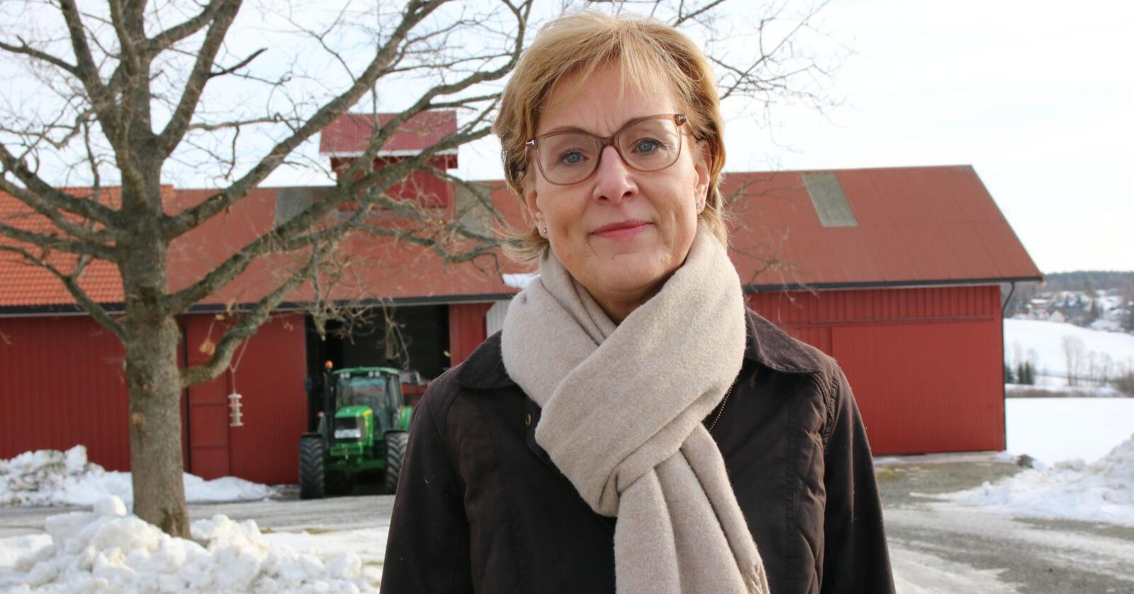 """–  Nå er det viktigere enn noen gang at det produseres mat i Norge, fastslår Bondelagets generalsekretær Sigrid Hjørnegård i denne ukas spesialutgave av """"Landbrukspodden"""". Foto: Karl Erik Berge"""
