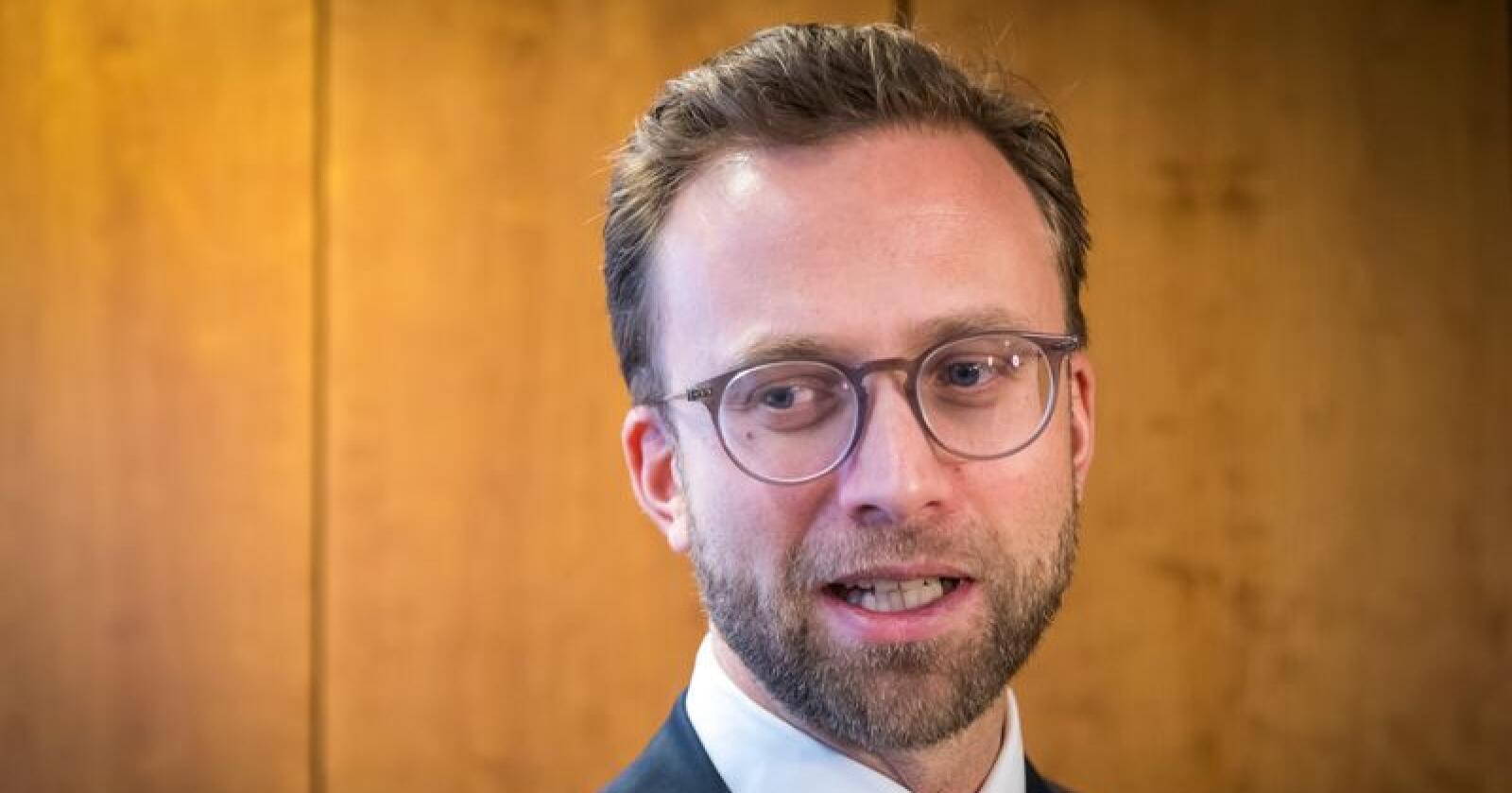 Digitaliseringsminister Nikolai Astrup (H) vil innføre lovhjemmel for leveringsplikt for bredbånd. Det må til for at Norge skal kunne ta ut det fulle potensialet som ligger i digitalisering og ny teknologi, mener han. Foto: Heiko Junge / NTB scanpix