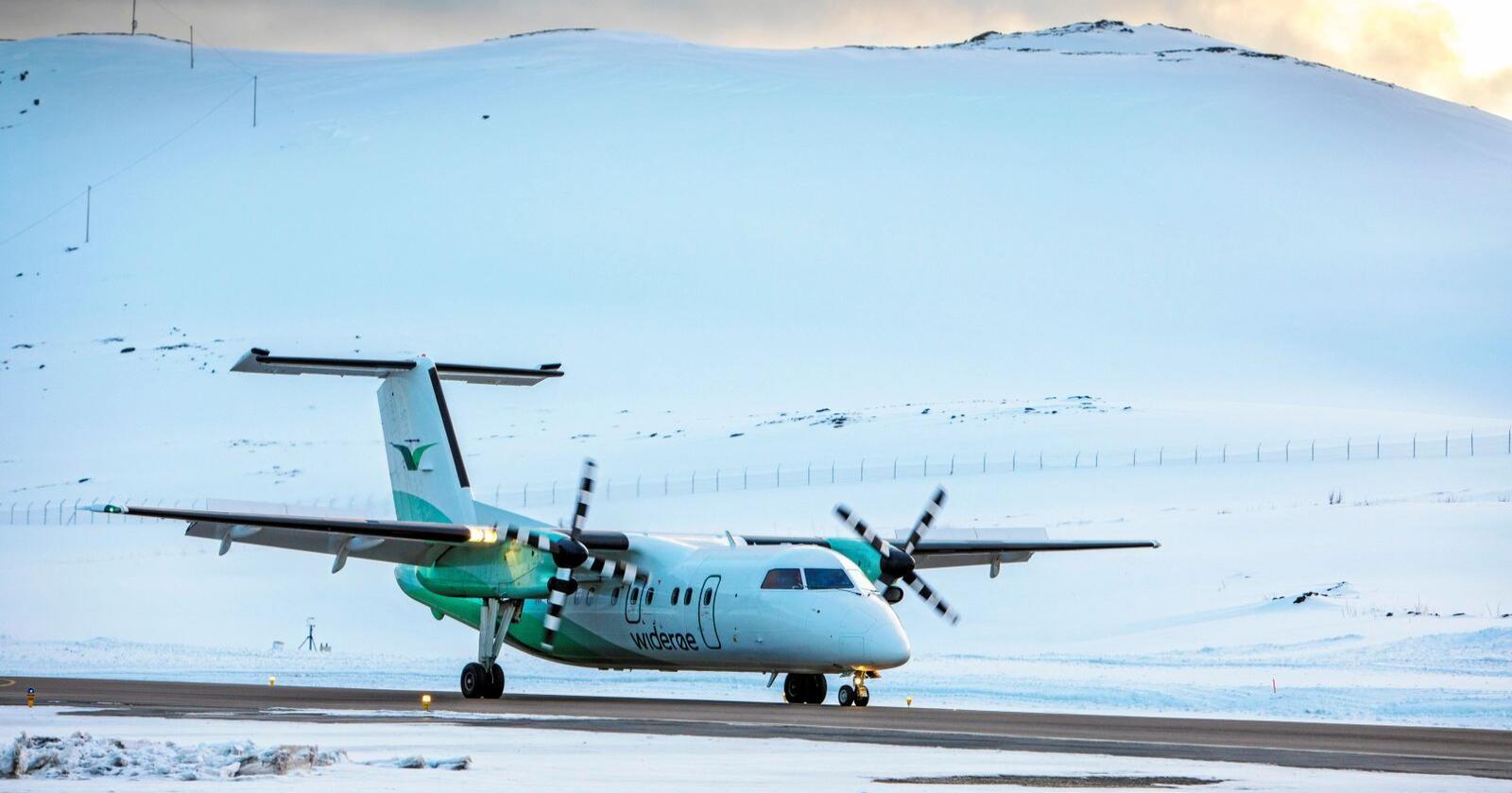 Kutter: Widerøe har varslet at de kutter 4000 flyruter, de fleste i Nord-Norge. Foto: Ole Berg-Rusten / NTB Scanpix
