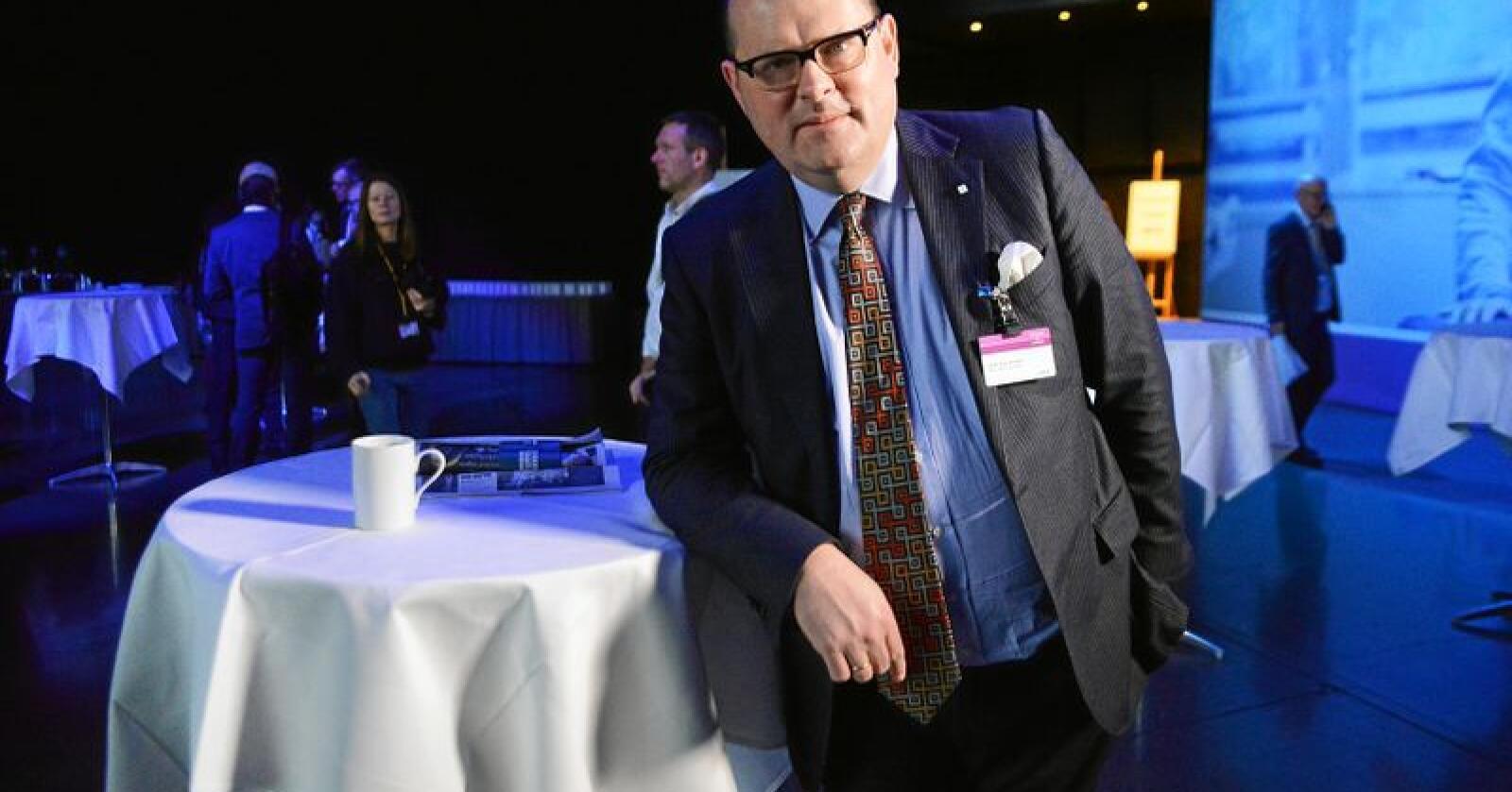 """Petter Haas Brubakk, administrerende direktør i NHO Mat og Drikke, mener vi vet for lite om """"sukkerlekasjer"""" i grensehandelen. Foto: Siri Juell Rasmussen."""