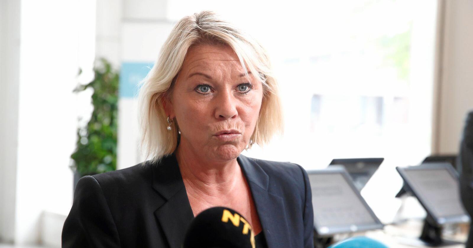 Får oppfordring: Kommunal- og moderniseringsminister Monica Mæland. Foto: Terje Pedersen / NTB scanpix