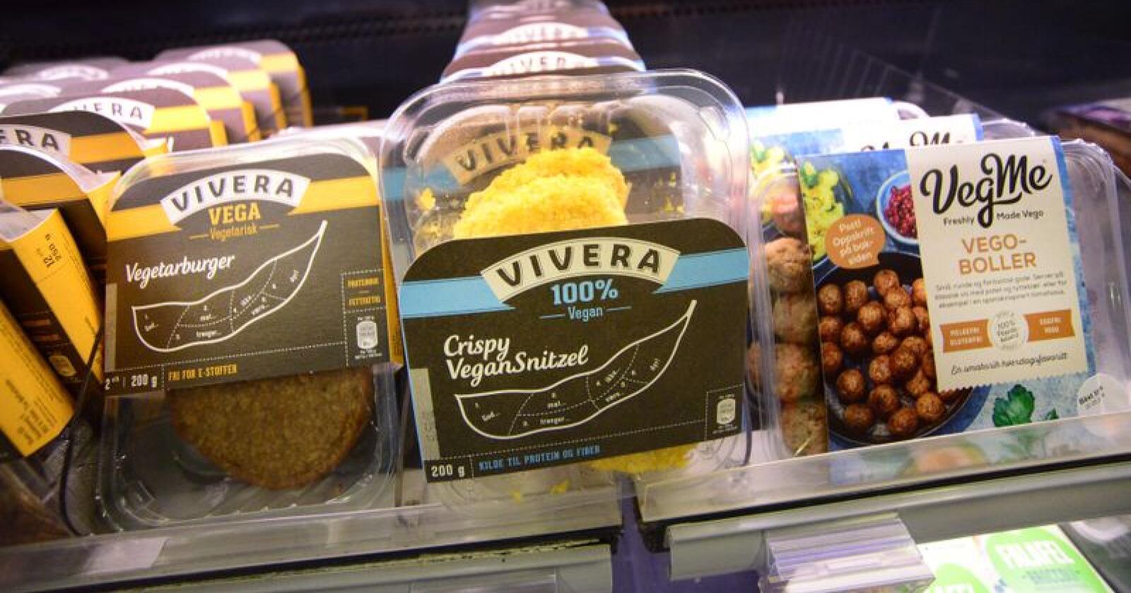 Mange av vegetar- og veganproduktene vi finner i butikkhyllene ligner på produkter laget av kjøtt. Foto: Siri Juell Rasmussen