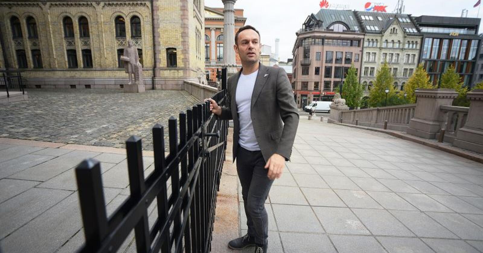Torgeir Knag Fylkesnes (SV) angriper Senterpartiet, som i hans øyne ikke tar klima på alvor. Foto: Siri Juell Rasmussen