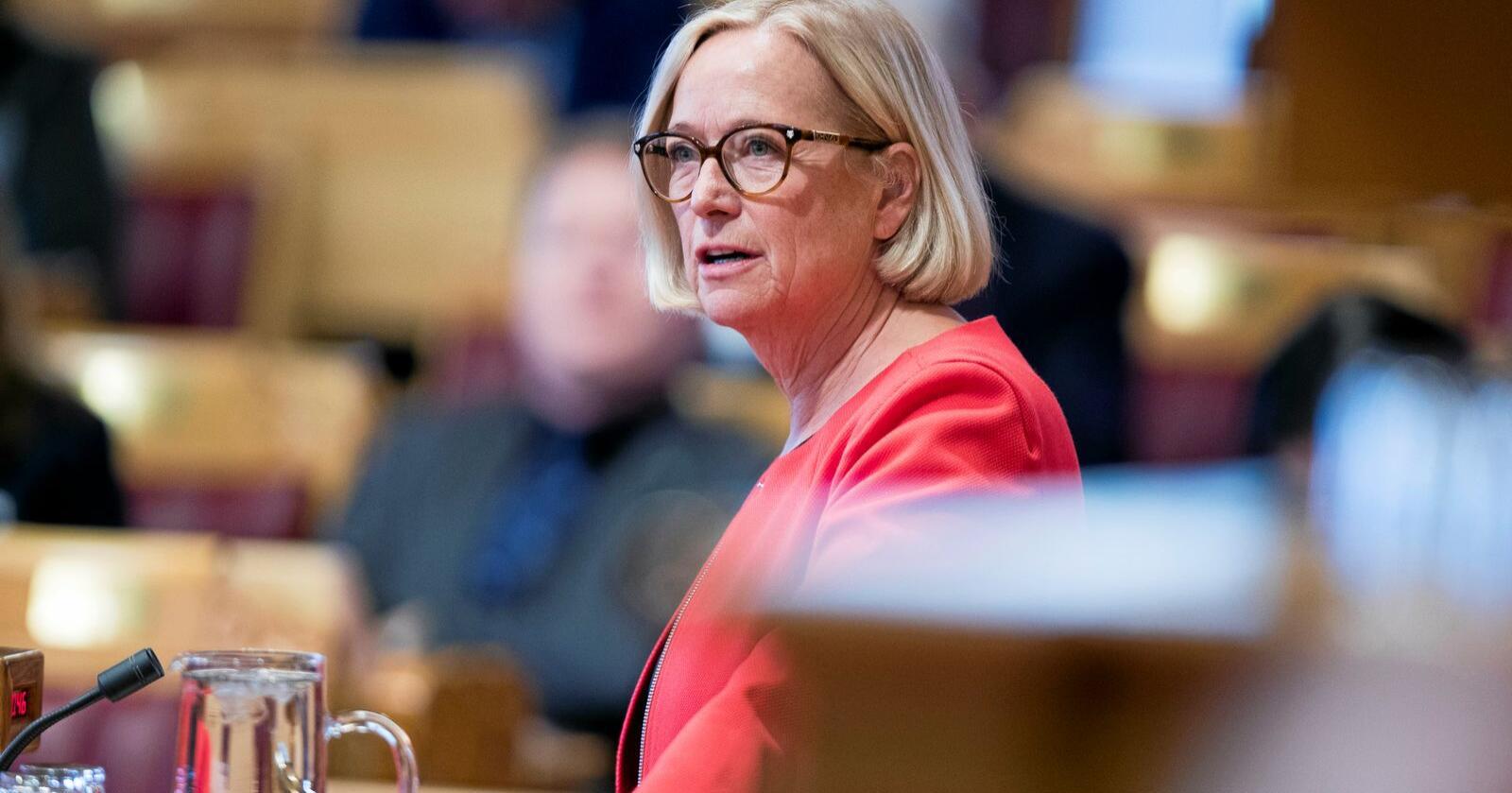 Får kritikk: Parlamentarisk leder for Sp, Marit Arnstad. Foto: Terje Pedersen / NTB scanpix