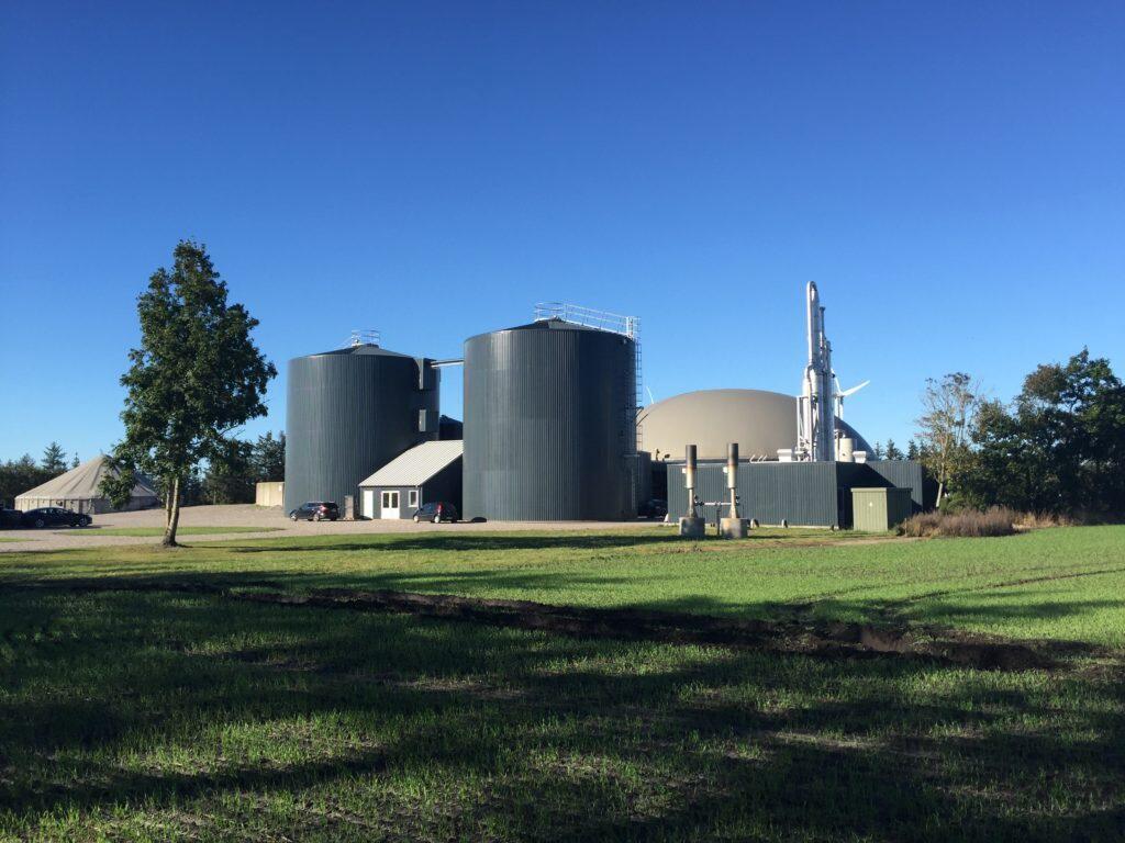 Combigas og BRI Landbruksbygg lanserer nå Greenfarm som er et gårdsanlegg basert på husdyrgjødsel og som passer fra ca 3000 – ca 12 000 kbm husdyrgjødsel pr år.
