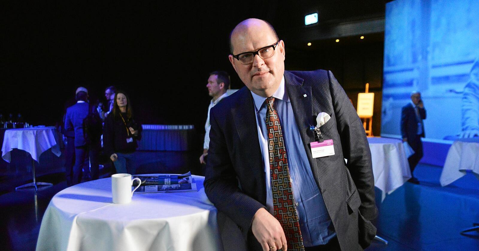 Det viktigste i tiden framover, mener administrerende direktør i NHO Mat og drikke, Petter Haas Brubakk er å sørge for at matforsyningen ut i kanalene er så normal som mulig, at man får det som skal i hyllene nettopp dit. Foto: Siri Juell Rasmussen