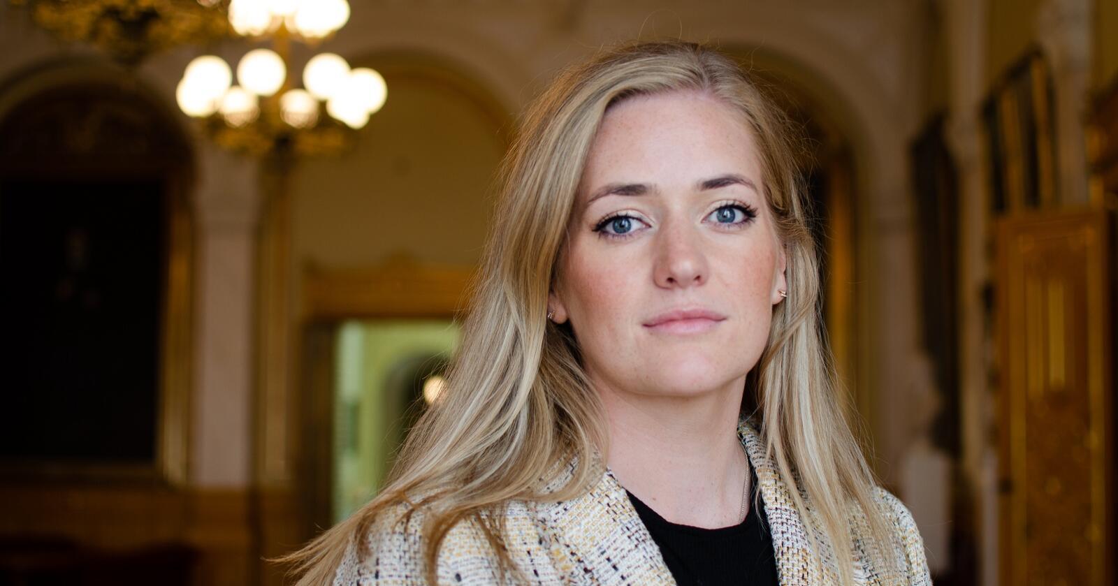 Emilie Enger Mehl (Sp), stortingsrepresentant for Hedmark, vil senke ulvebestanden fra fire til seks ungekull til i hvert fall to til tre ulvekull. Foto: Ingrid Godager