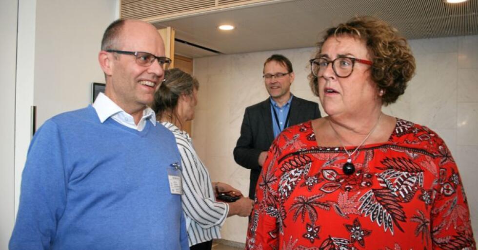 Næringspolitisk talsperson i KrF, Steinar Reiten, (t.v.)og landbruksminister Olaug Bollestad (KrF).  Foto: Bjarne Bekkeheien Aase