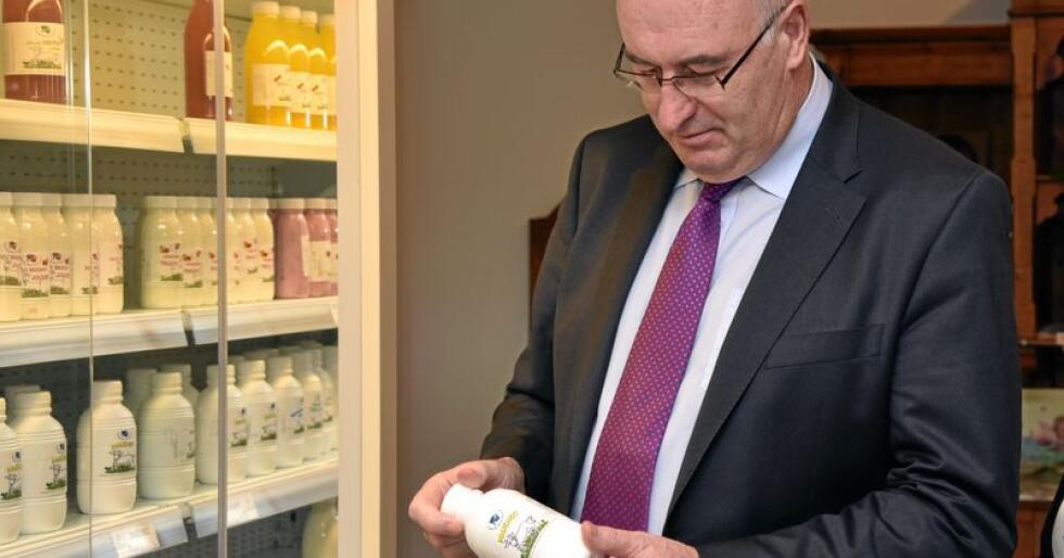 EUs landbrukskommissær Phil Hogan, som kjem frå Irland, er ein forkjempar for eit matmaktdirektiv. Foto: Borut Zivulovic