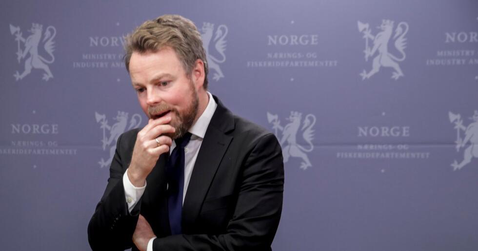 Næringsminister Torbjørn Røe Isaksen er i tenkeboksen når det gjelder comeback på Stortinget. Men nestleder i Høyre vil han ikke bli. Han stiller også sin plass i partiets arbeidsutvalg til disposisjon. Foto: Vidar Ruud / NTB scanpix