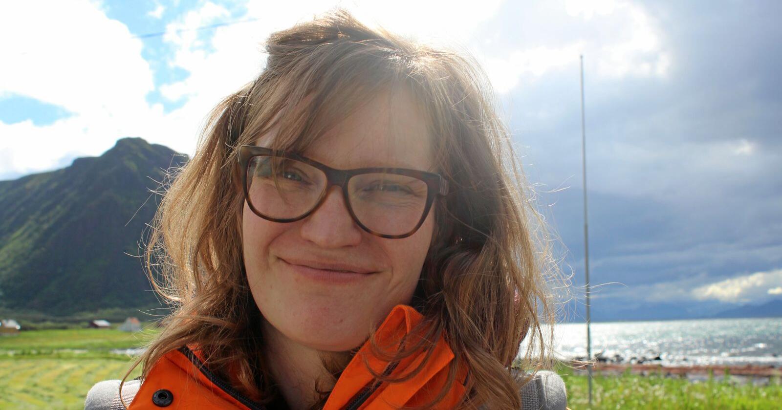 Seniorforskar ved Nordlandsforsking, Aase Kristine Lunde, er prosjektleiar for forskingsprosjektet OutGen. Dei skal sjå på kven det er som brukar utmarka og kven som sit i styre og stell. Foto: Cathrine Bjerknes