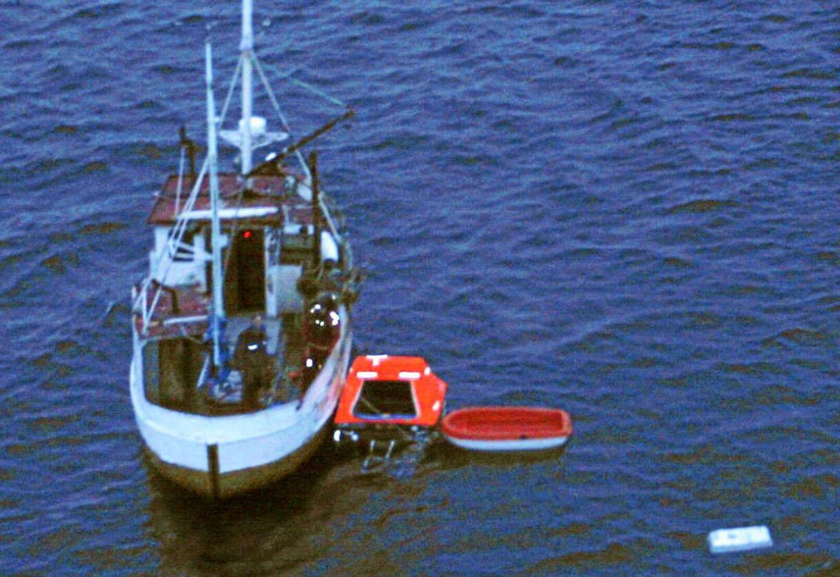 Svartere: Fisket er svekket, oppdrettet styrket, skriver innsenderen. Foto: 330-skvadronen.