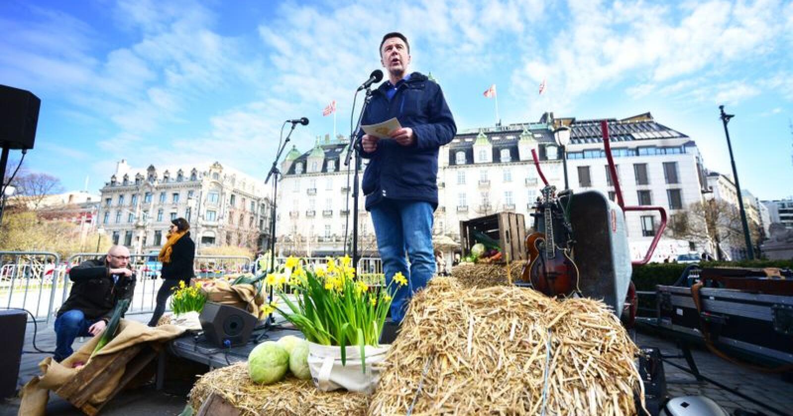 Bondelagsleder Lars Petter Bartnes varsler at Bondelaget vil  være en aktiv støttepart når  Pelsdyralslaget går til retten. Foto: Siri Juell Rasmussen