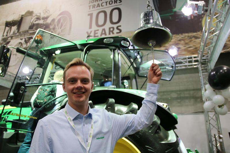 Produktsjef for John Deere traktorer i Felleskjøpet Agri SA, Tore Glærum, sier det finnes flere muligheter for å spore stjålne traktorer. Foto: Trond Martin Wiersholm