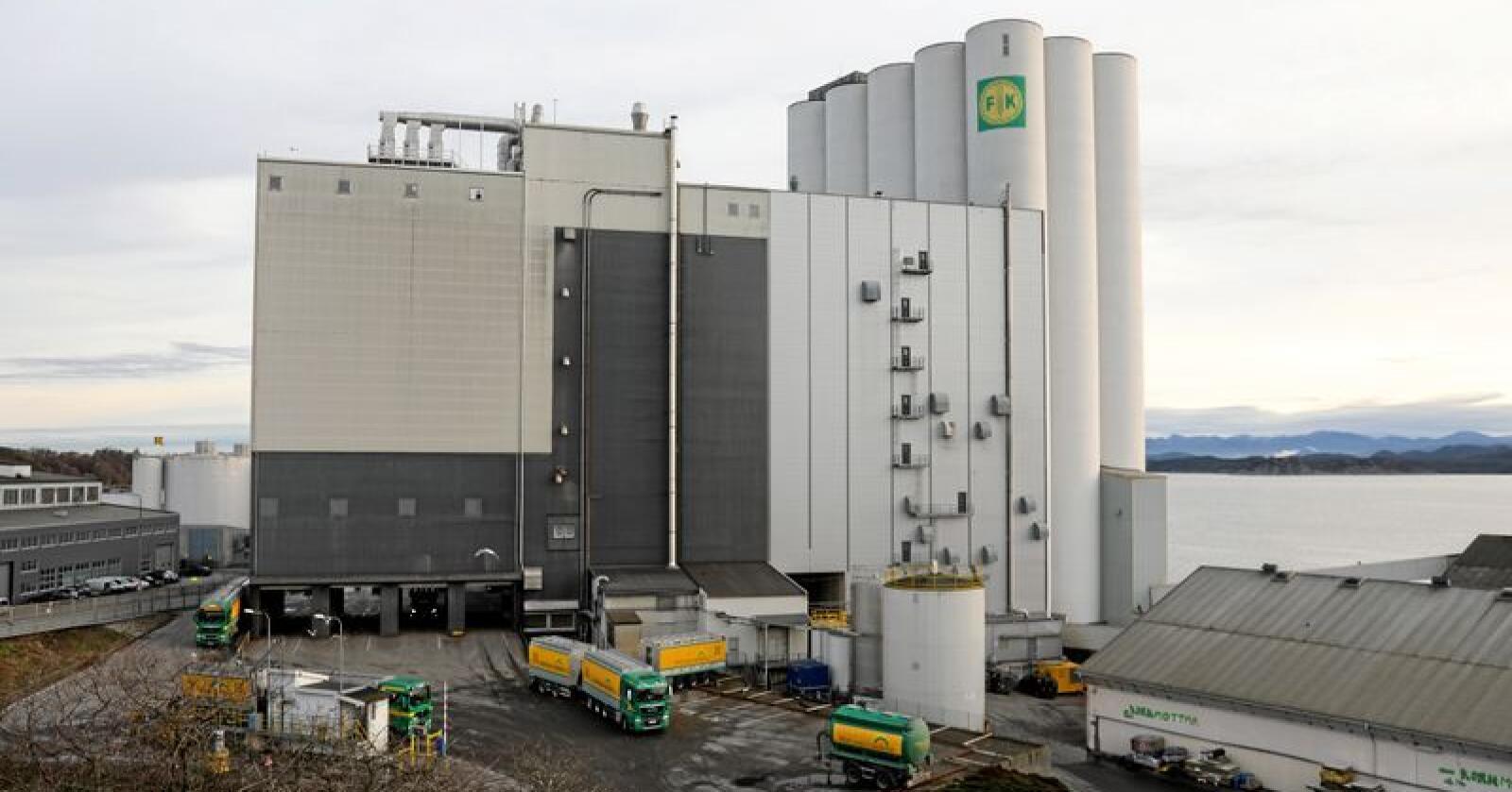 Kraftfôr-fabrikken til Felleskjøpet Rogaland Agder (FKRA) i Hillevåg i Stavanger. Anlegget skal være av de største og mest moderne i Europa, med kapasitet på 560.000 tonn i året. Foto: Anne Linn Olsen/FRAK
