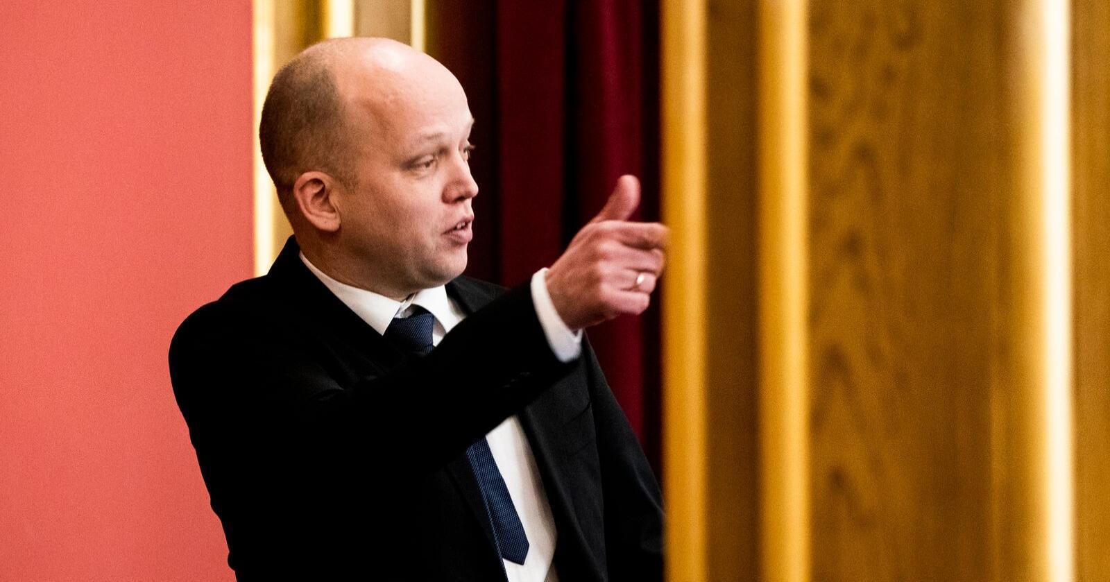 Sp-leder Trygve Slagsvold Vedum tar sikte på regjeringens nye koronautvalg. Foto: Berit Roald / NTB scanpix