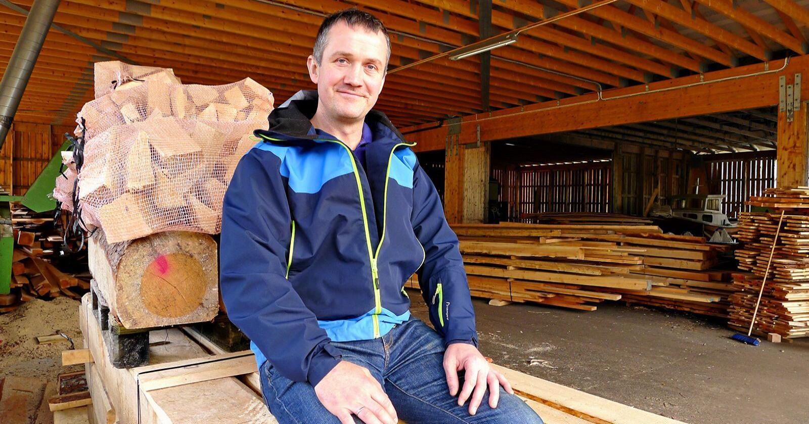 Peder Nernæs er mjølkebonde i Hardanger og nyvald nestleiar i Vestland Bondelag. (Foto: Karl Erik Berge)