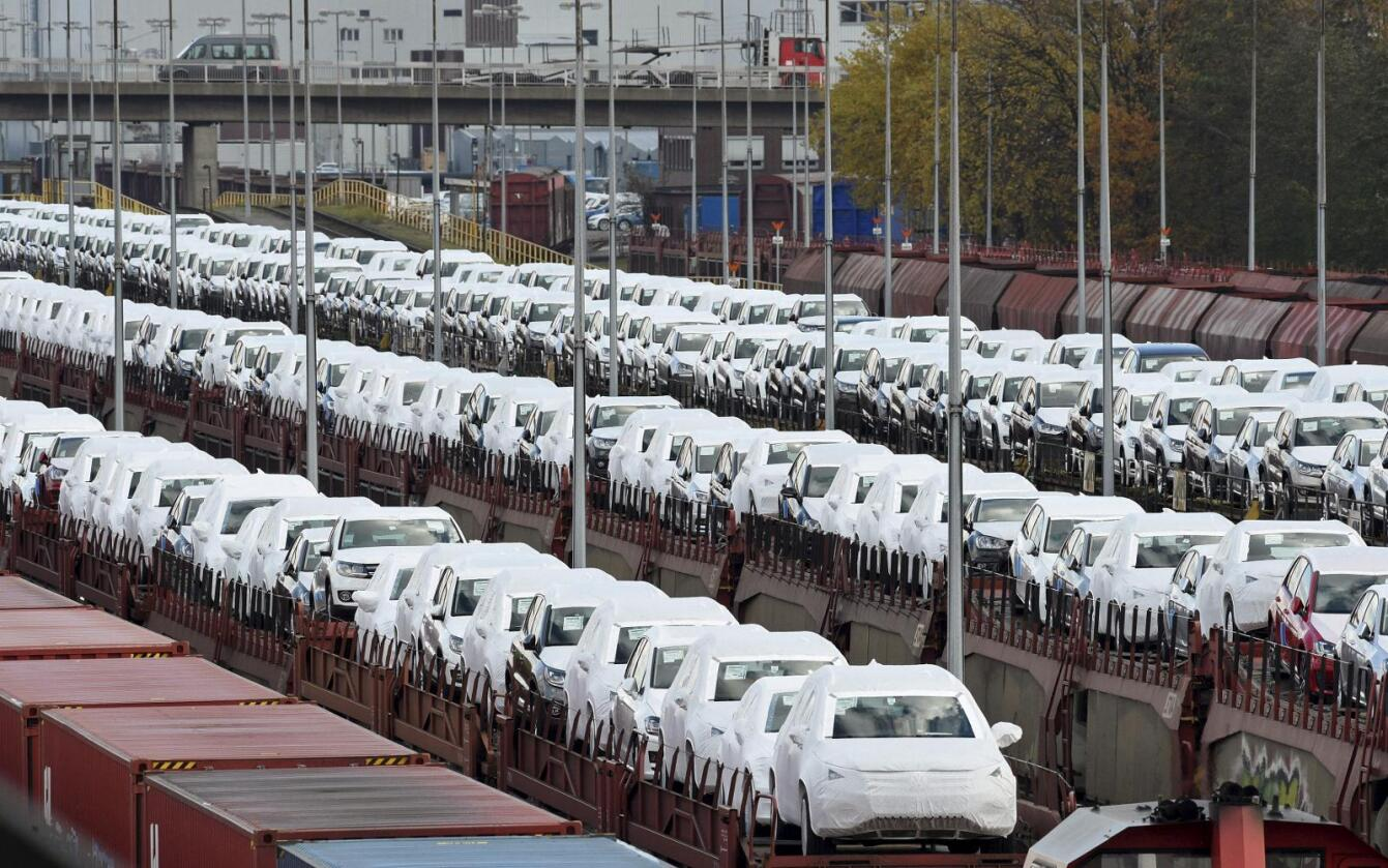EU-kommisjonen ønsker mulighet til å bøtelegge bilprodusenter som ikke innfrir miljø- og sikkerhetskravene i unionen. Foto: Reuters / NTB scanpix