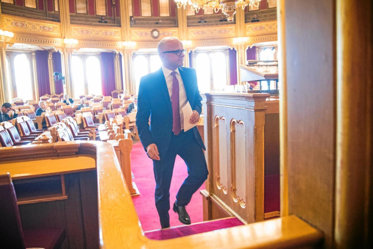 Klima- og miljøminister Vidar Helgesen (H) under ulvedebatten i Stortinget i Oslo tirsdag. Foto: Håkon Mosvold Larsen / NTB scanpix