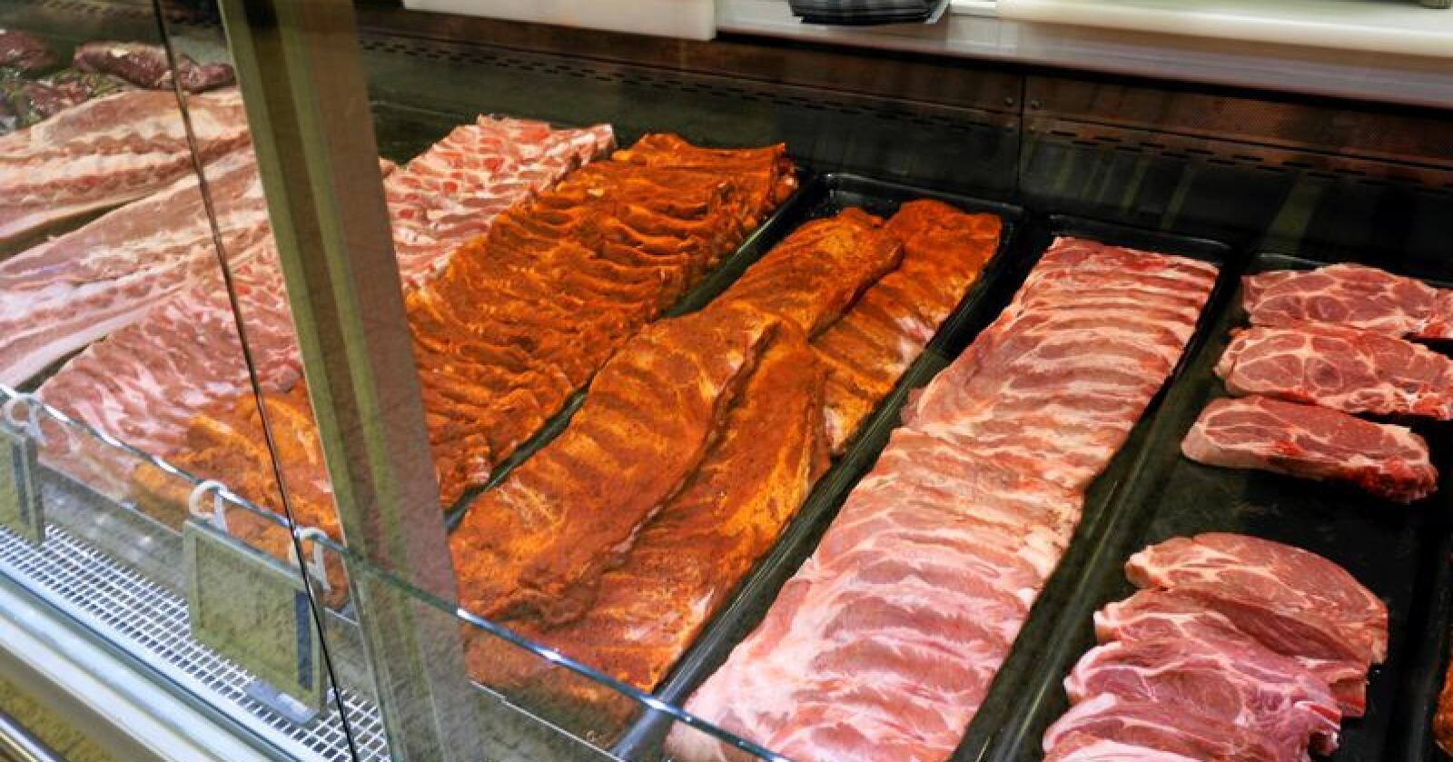 Ifølge SSB var kjøttprodukter den matvaregruppen med størst nedgang i mai. Svinekjøtt gikk ned med 4,4 prosent. Foto: Mariann Tvete