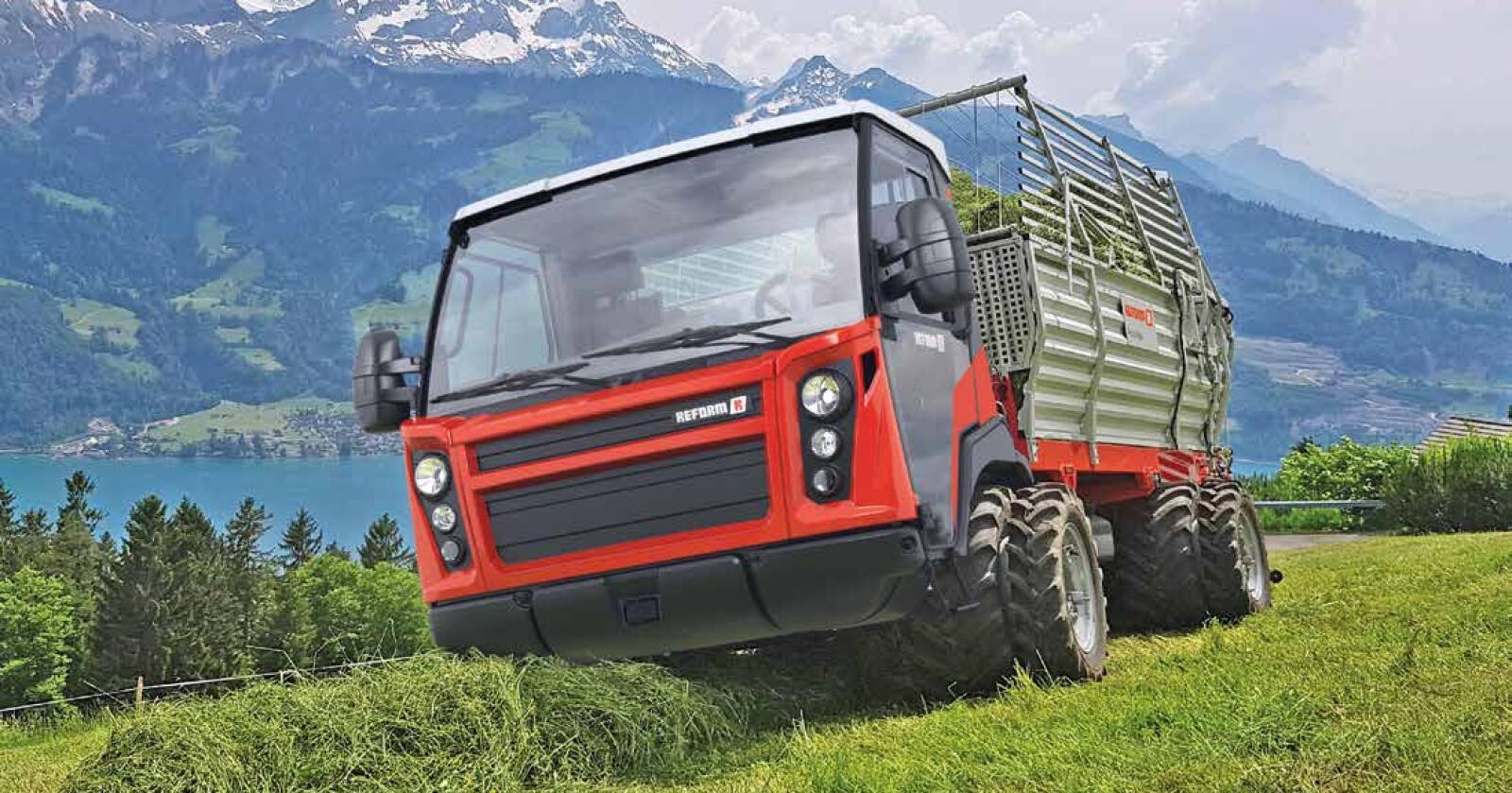 Transporter: to ulike maskiner fra Reform blir vist fram, en transporter med lessevogn-påbygg og en lavbygget Reform Metrac H75