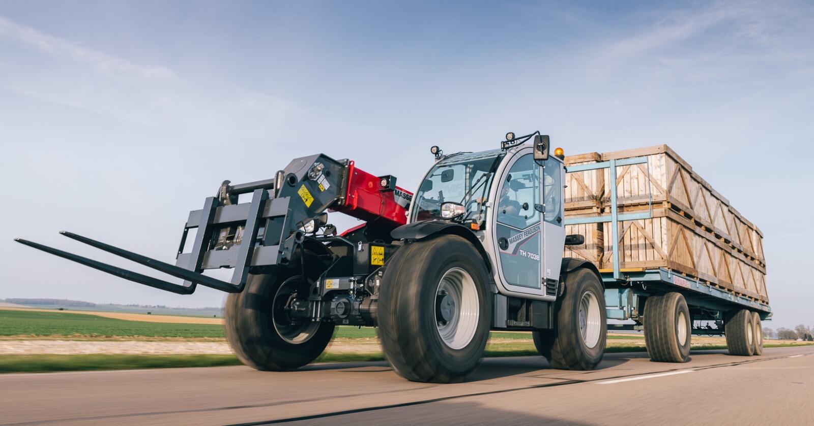 Toppmodell: MF TH 8043 har en motor på 135 hestekrefter, og løfter 4300 kilo hele 7,5 meter i været