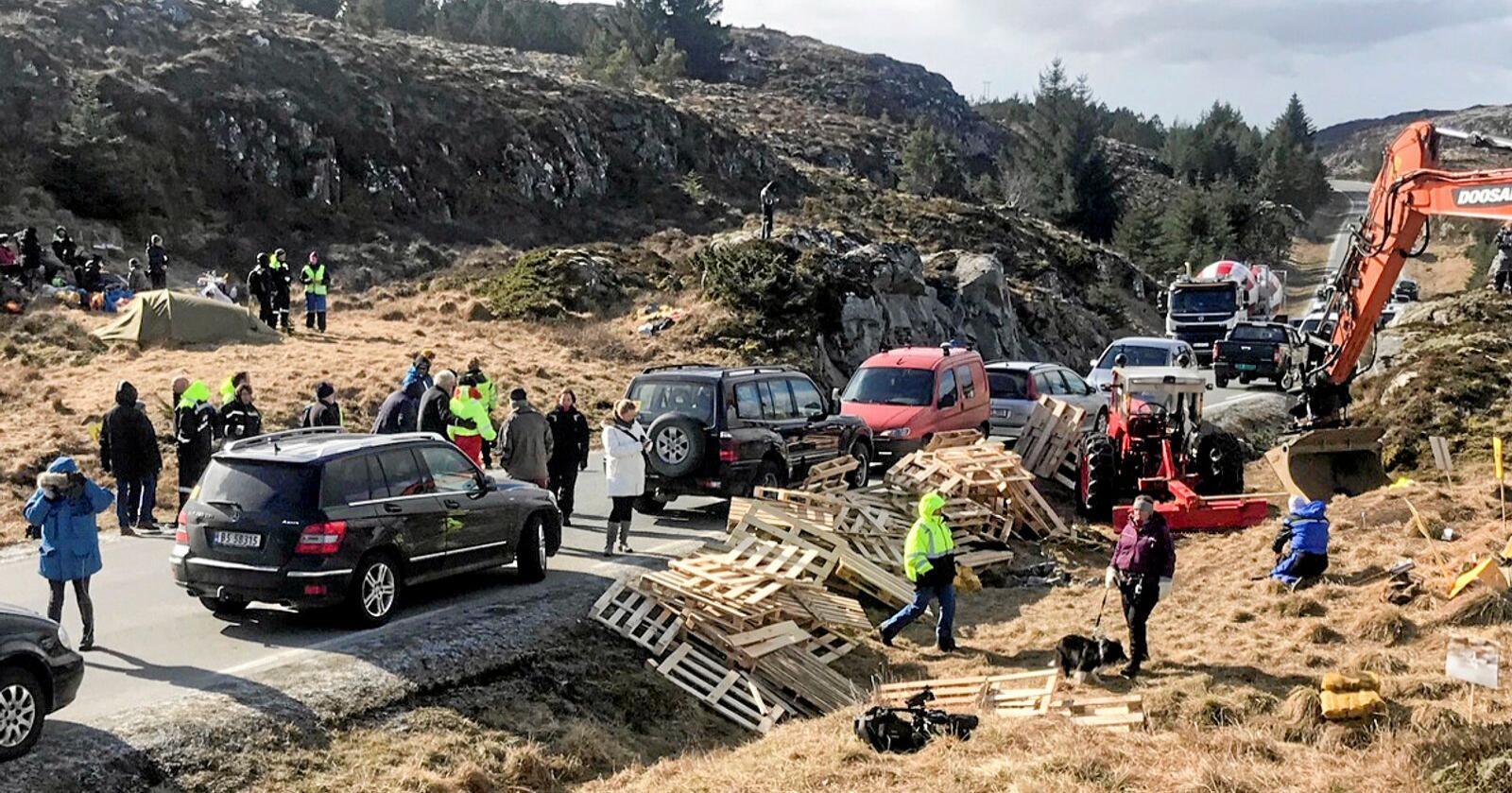Vindkraftdemonstranter dømt til å betale bot. Her fra demonstrasjon i 2019. Foto: Ronny Teigås / NTB scanpix